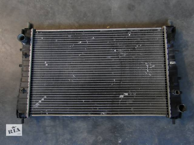 купить бу Б/у радіатор для легкового авто Радіатор Fiat Linea 1.3 JTD 07-14р. в Львове