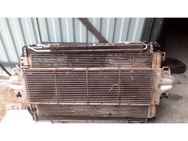 продам Б/у радіатор для легкового авто Volkswagen T5 (Transporter) 2.5 ТДІ бу в Львове