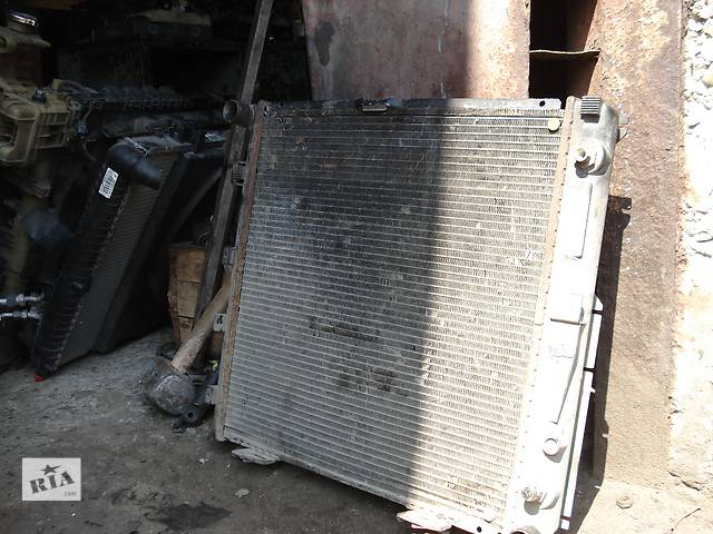 продам Б/у радіатор для легкового авто Mercedes W202 бу в Львове