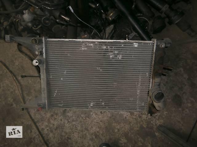 продам Б/у радіатор для седана Opel Omega B бу в Львове