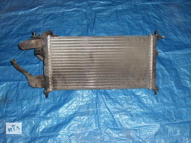 продам Б/у радиатор для хэтчбека Opel Corsa 1992 бу в Николаеве