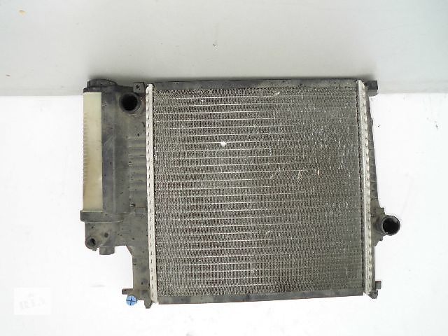 бу Б/у радиатор для легкового авто BMW 3 Series e36 318 (470*440) по сотым. в Буче (Киевской обл.)