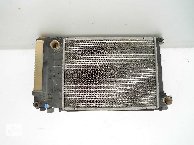 купить бу Б/у радиатор для легкового авто BMW 316 e36 (440*360) по сотым. в Буче (Киевской обл.)