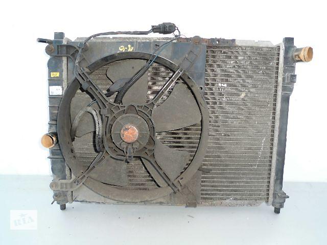 купить бу Б/у радиатор для легкового авто Daewoo Nubira 1.6 с вентилятором (дифузором) (49,5-41). в Буче (Киевской обл.)