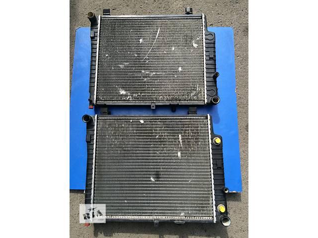 купить бу Б/у радиатор для легкового авто Mercedes C-Class w202 (C200, C220, 1993-2000) в Луцке