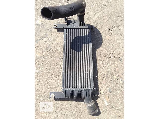 продам Б/у радиатор для легкового авто Nissan Navara бу в Ровно