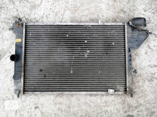 продам Б/у радиатор для легкового авто Opel Vectra A бу в Херсоне