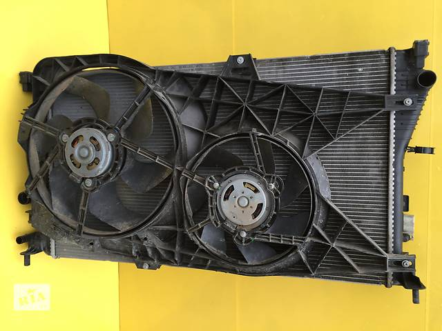 купить бу Б/у радиатор для легкового авто Opel Vivaro в Ковеле