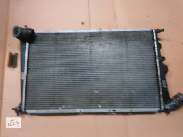 продам Б/у радиатор для легкового авто Peugeot 605 бу в Ровно