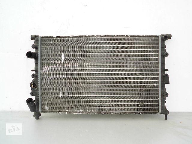 бу Б/у радиатор для легкового авто Renault 19 1.7,1.8 (570*380) по сотым. в Буче (Киевской обл.)