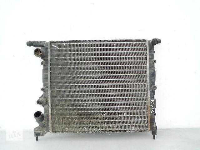 бу Б/у радиатор для легкового авто Renault Clio 1.2-1.4 (380*390) по сотым. в Буче