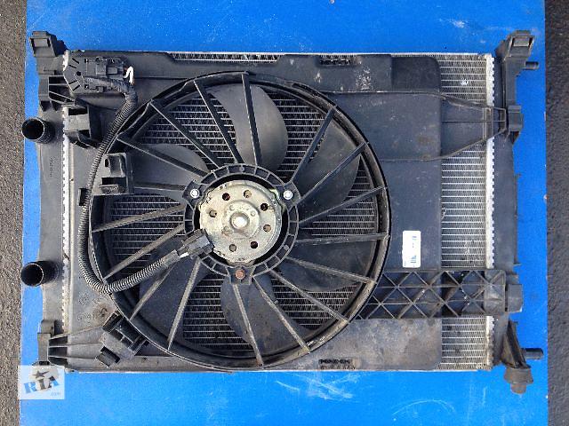 купить бу Б/у радиатор для легкового авто Renault Scenic (8200117609) в Луцке
