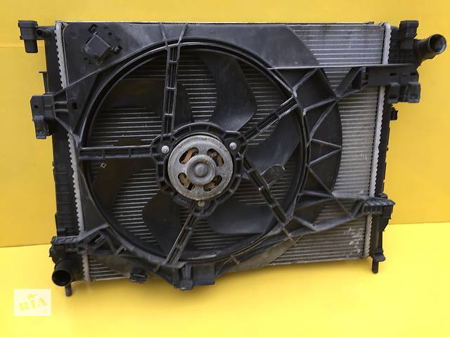 Б/у радиатор для легкового авто Renault Trafic- объявление о продаже  в Ковеле