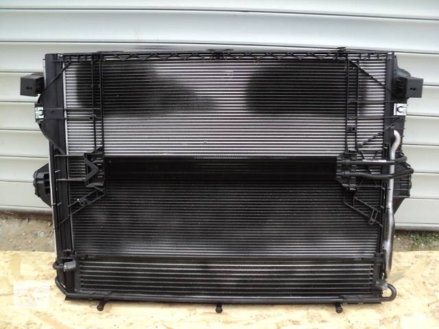 купить бу Б/у Радиатор для легкового авто Volkswagen Touareg 7P в Луцке