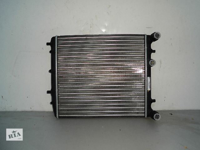 продам Б/у радиатор для легкового авто Volkswagen Vento (430*410) по сотым новый. бу в Буче (Киевской обл.)