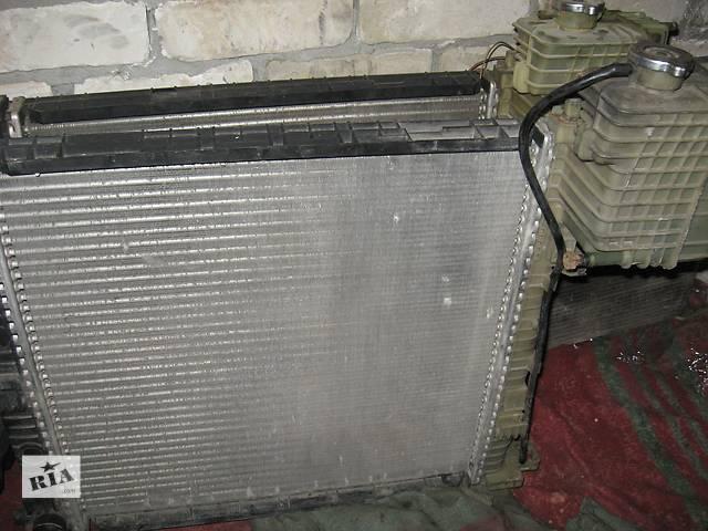 продам Б/у радиатор для микроавтобуса Mercedes Vito бу в Кременчуге
