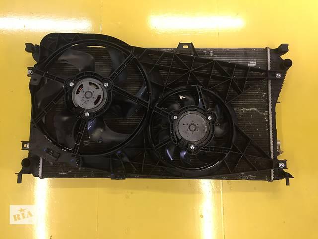 купить бу Б/у радіатор в зборі для легкового авто Opel Vivaro 2.0, 2.5 в Ковелі