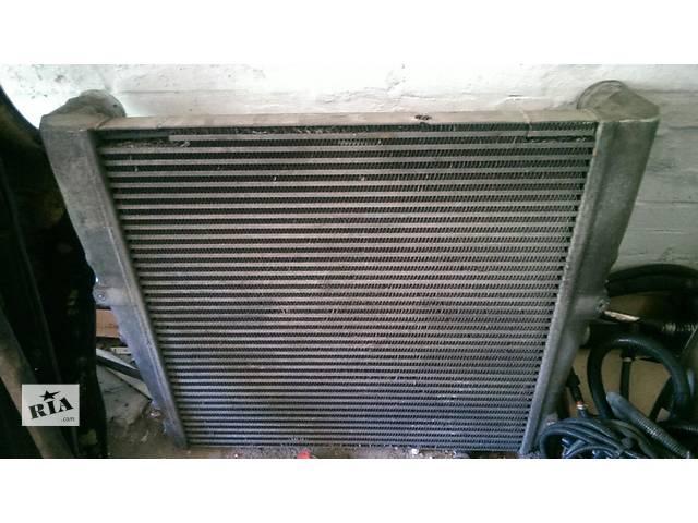 продам Б/у радиатор интеркуллера для грузовика Renault Magnum бу в Шишаки