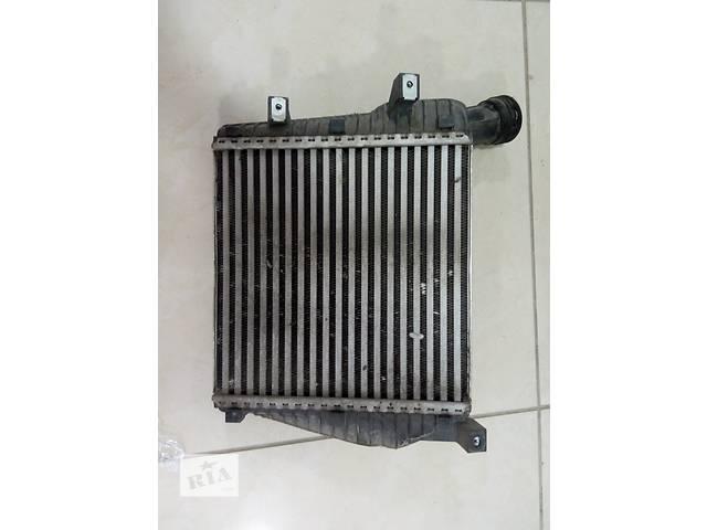 купить бу Б/у радиатор интеркуллера для кроссовера Audi Q7 2013 в Одессе