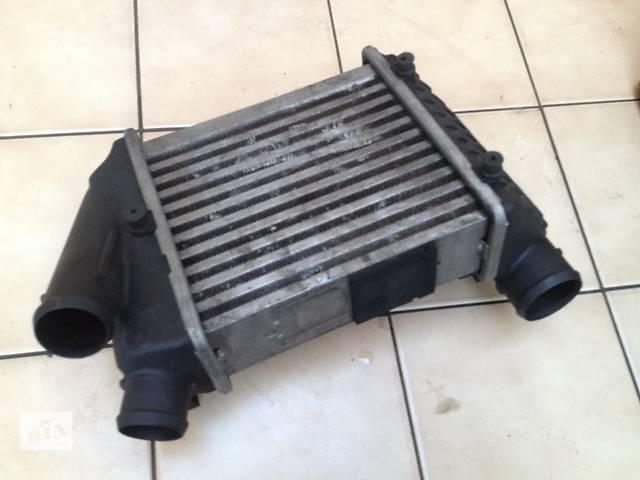 продам Б/у радиатор интеркуллера для легкового авто Audi A4 бу в Тернополе