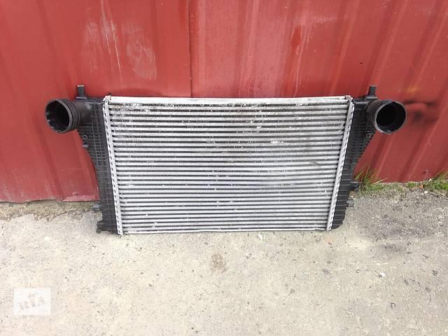 купить бу Б/у радиатор интеркуллера для легкового авто Volkswagen Caddy в Луцке