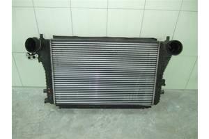 б/у Радиаторы интеркуллера Volkswagen Caddy