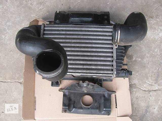 Б/у радиатор интеркуллера для легкового авто Volkswagen T4 (Transporter)- объявление о продаже  в Яворове (Львовской обл.)