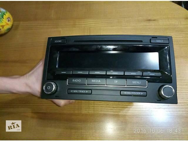 купить бу Б/у радио и аудиооборудование/динамики для легкового авто RCD-310 Multivan/Taureg в Николаеве