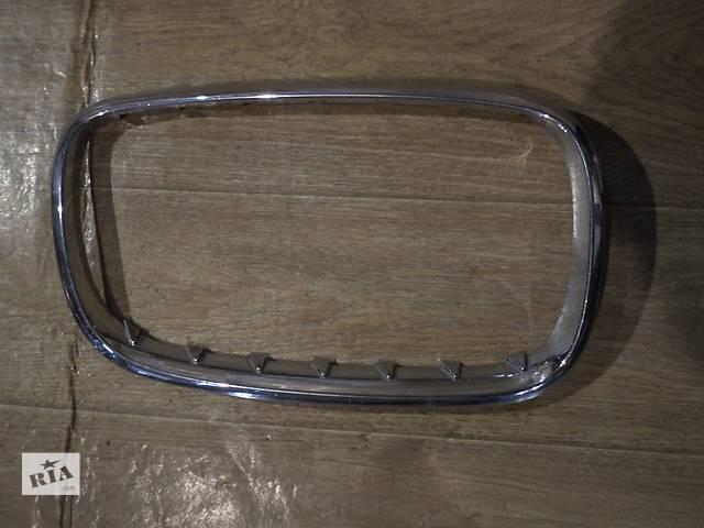 продам Б/у рамка решетки радиатора для кроссовера BMW X5 E70 2008г бу в Киеве