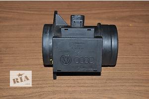 б/у Расходомер воздуха Audi 80