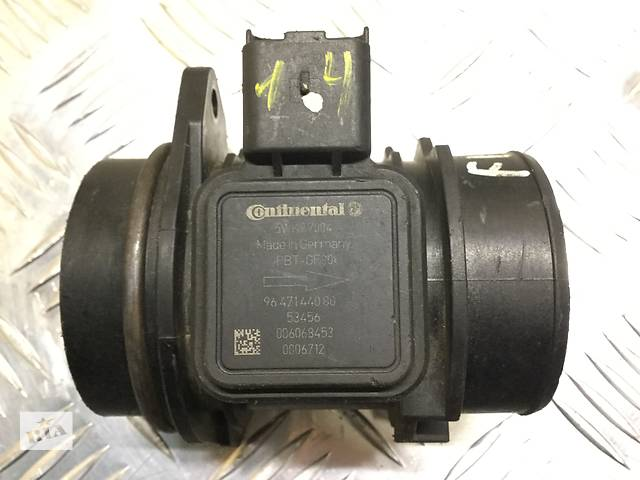 купить бу Б/у расходомер воздуха для легкового авто Citroen C1 C2 C3 1.4HDi в Луцке