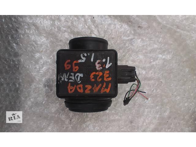 купить бу Б/у расходомер воздуха для легкового авто Mazda 323 323F Demio 1.3 1.5  E5T51171 7413 в Ковеле