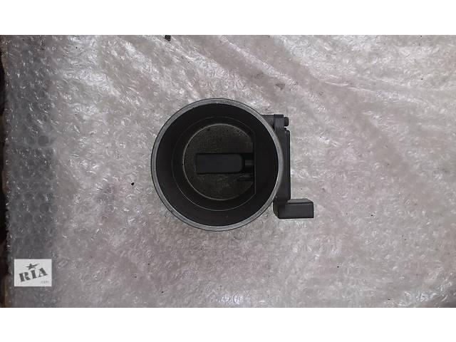 купить бу Б/у расходомер воздуха для легкового авто Skoda SuperB 2.5 059906461G AFH70-25F в Ковеле