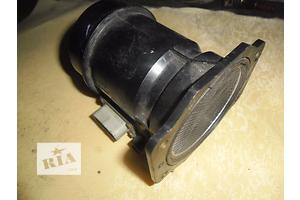 б/у Расходомер воздуха Subaru Impreza