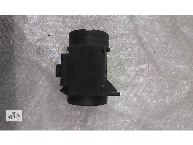 купить бу Б/у расходомер воздуха для легкового авто Volkswagen LT 28-46 2.5 SDI 7.18221.01 074906461 в Ковеле
