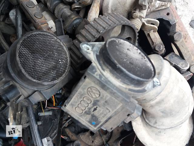 продам Б/у расходомер воздуха для седана Volkswagen Passat B4 бу в Львове