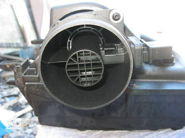 купить бу Б/у расходомер воздуха Mercedes Sprinter 2006- в Ровно