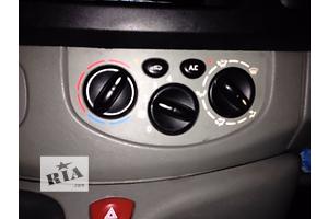 б/у Регулятор оборотов вентилятора печки Opel Vivaro груз.
