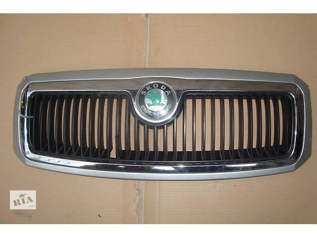 продам Б/у решётка бампера для легкового авто Skoda SuperB бу в Киеве