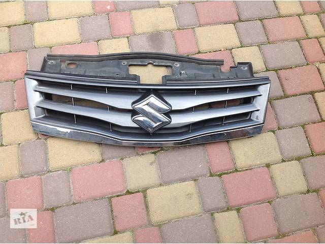 продам Б/у решетка бампера для легкового авто Suzuki Grand Vitara бу в Ровно