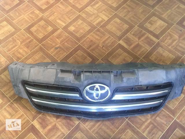 продам Б/у решётка бампера для легкового авто Toyota Corolla бу в Киеве