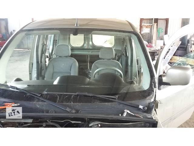 купить бу Б/у Решётка под лобовое Решітка пластик під лобове Renault Kangoo Кенго 1,5 DCI К9К 2008-2012 в Рожище