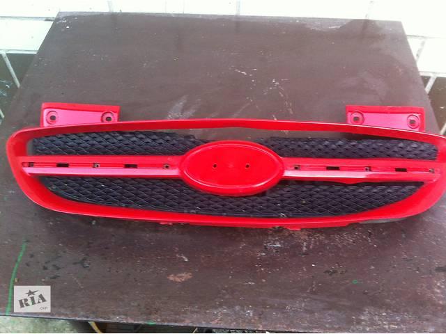 продам Б/у решётка радиатора для Hyundai Getz (красная) бу в Киеве