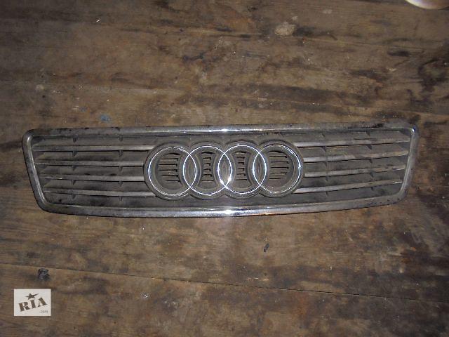 купить бу Б/у решётка радиатора для легкового авто Audi A6 2001 в Львове