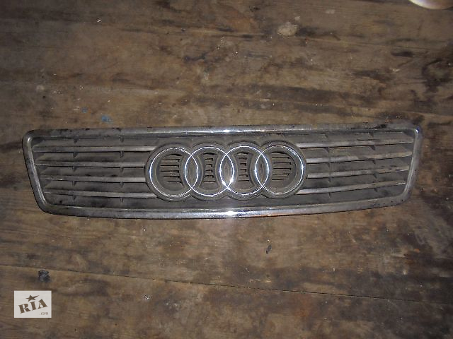 бу Б/у решётка радиатора для легкового авто Audi A6 2001 в Львове