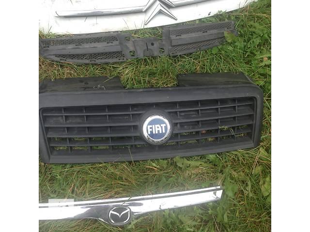 купить бу Б/у решётка радиатора для легкового авто Fiat Doblo в Стрые