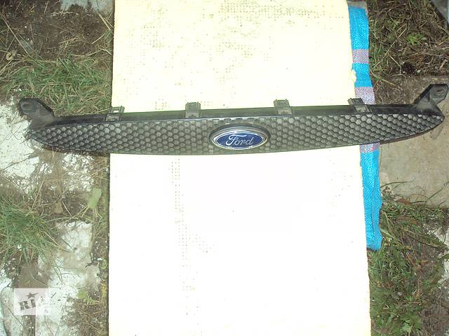 купить бу Б/у решётка радиатора для легкового авто Ford в Львове