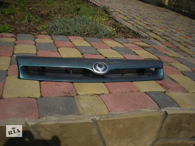 бу Б/у решётка радиатора для легкового авто Mazda 626 в Ивано-Франковске