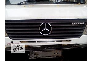 б/у Решётка радиатора Mercedes 609 груз.