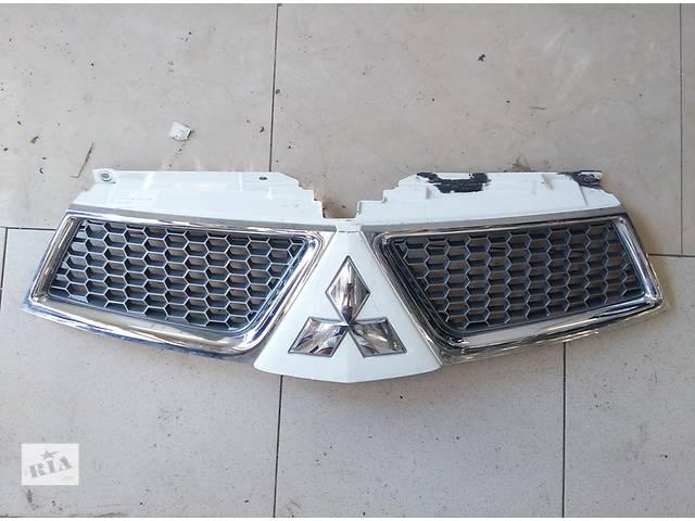 купить бу Б/у решётка радиатора для легкового авто Mitsubishi L 200 в Львове